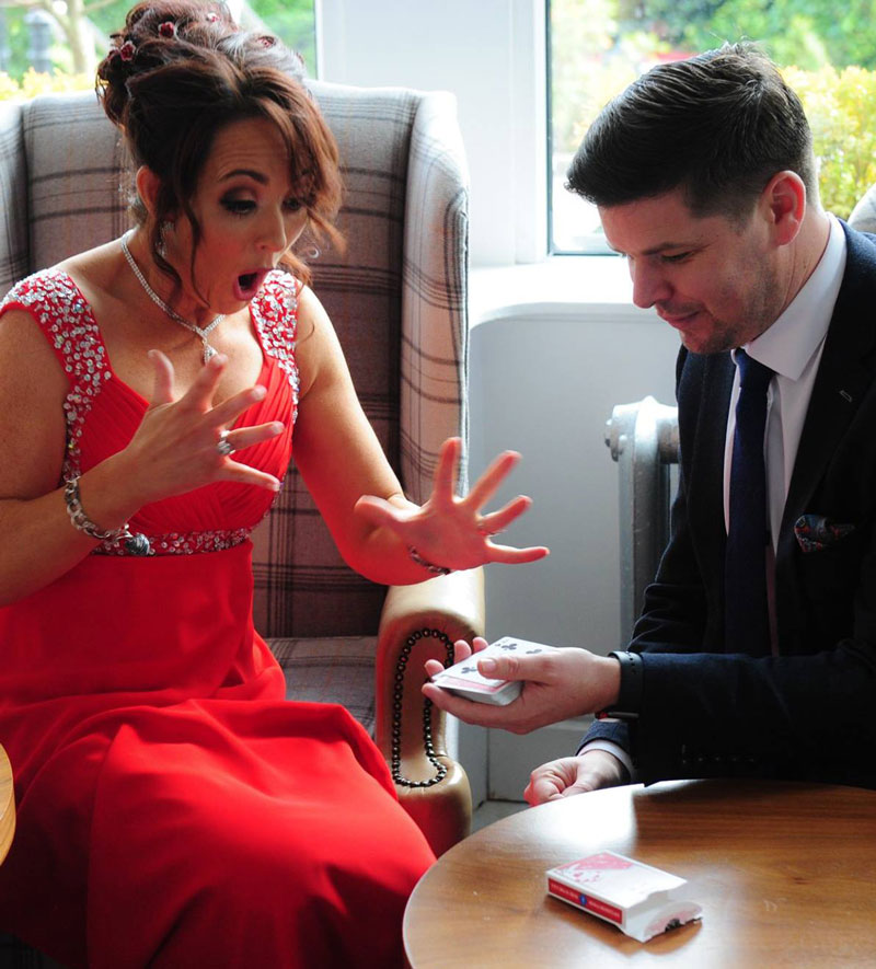 magician for wedding reception entertainment